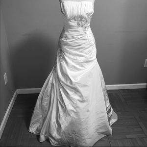 David's Bridal Wedding Dress Size 4